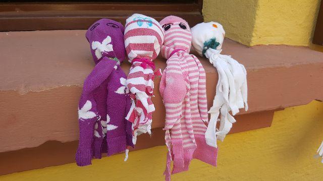 Aus alten Socken wurden süße Socktopusse.