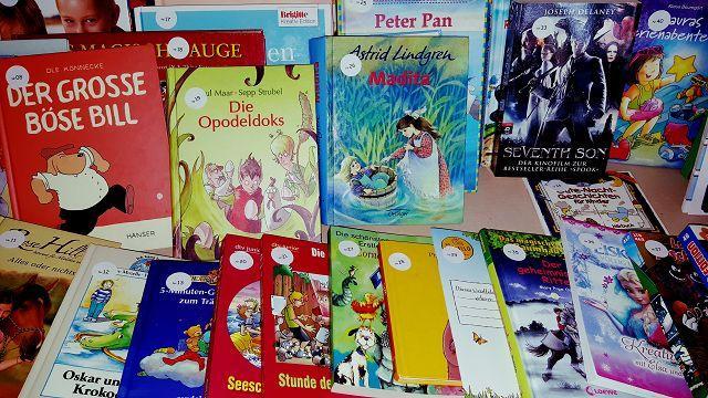 Gebraucht und begehrt: Alle Preise unserer nachhaltigen Tombola wurden gespendet. Viele gebrauchte Bücher und Spielsachen fanden neue Besitzer.